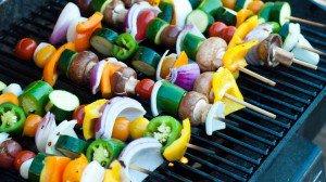 Groente en fruit op de barbecue