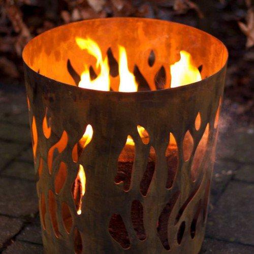 esschert-design-vuurkorf-vlammen-roest