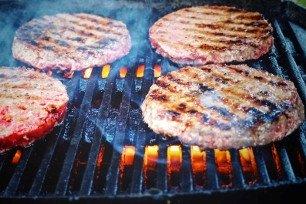 Zelgemaakte_hamburgers